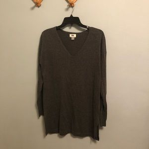Old Navy light sweater side slit v-neck Sz M